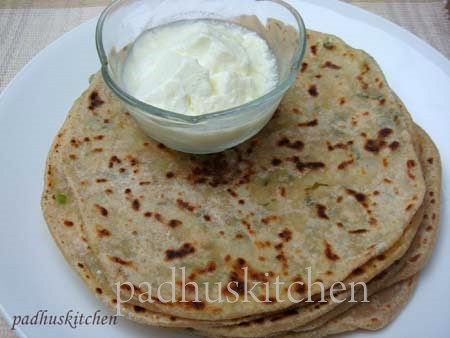 aloo paratha with curd