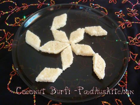 Coconut burfi-Thengai Burfi