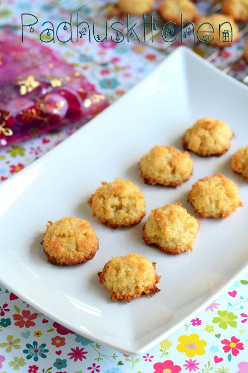 Easy Christmas Recipes.Coconut Macaroons